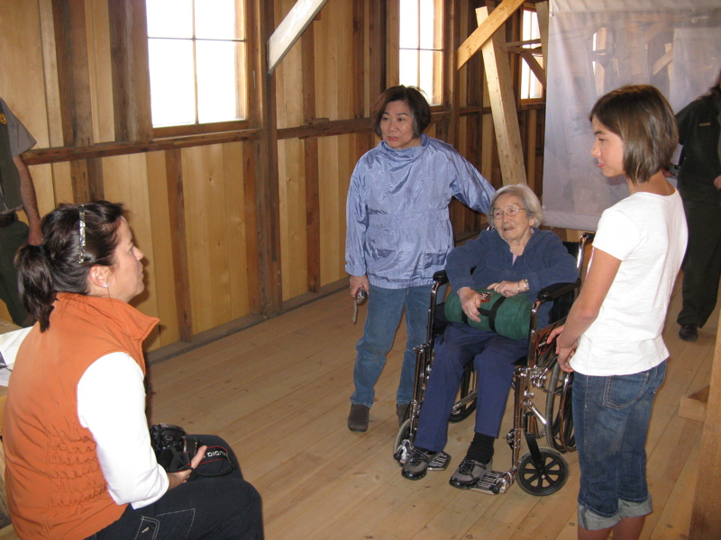 2011 Delegates speak with visitors at the Manzanar National Historic Site. (OWWCC)�