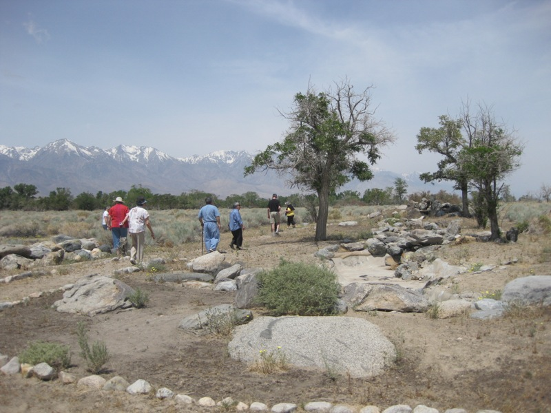 Walking the Manzanar Historic Site (OWWCC)�
