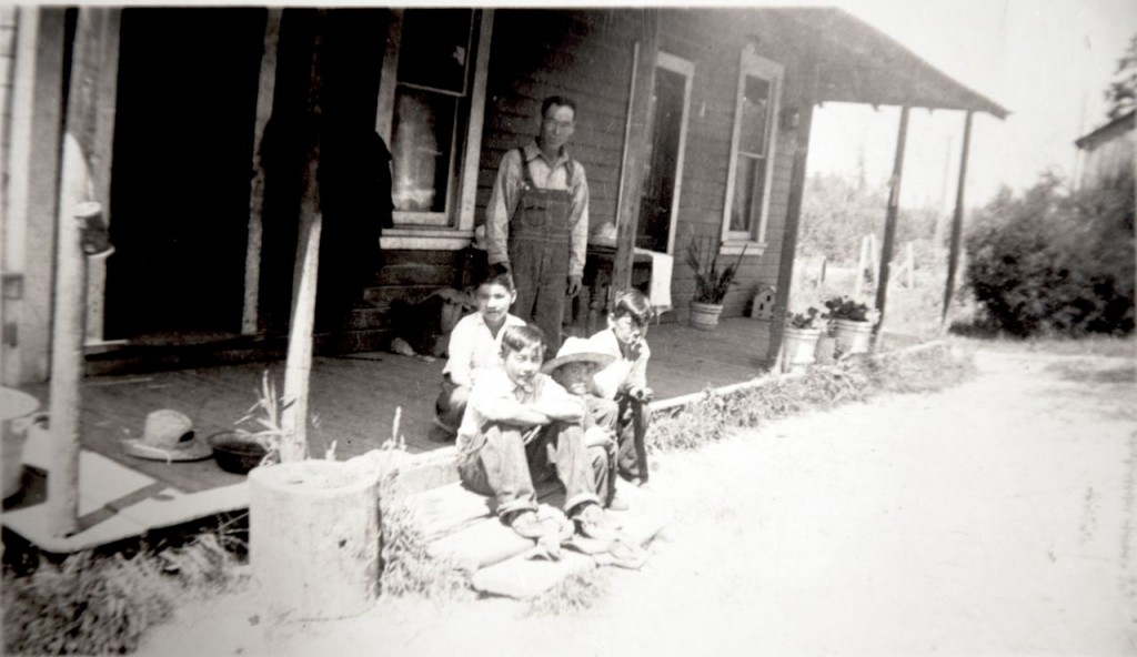 Suyematsu Family on Front Porch