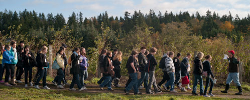 Students tour Suyematsu & Bentryn Family Farms