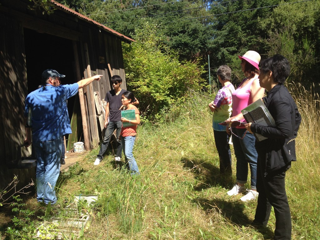 Jon Garfunkel leads an OWWCC class for educators near the Suyematsu historic barn.